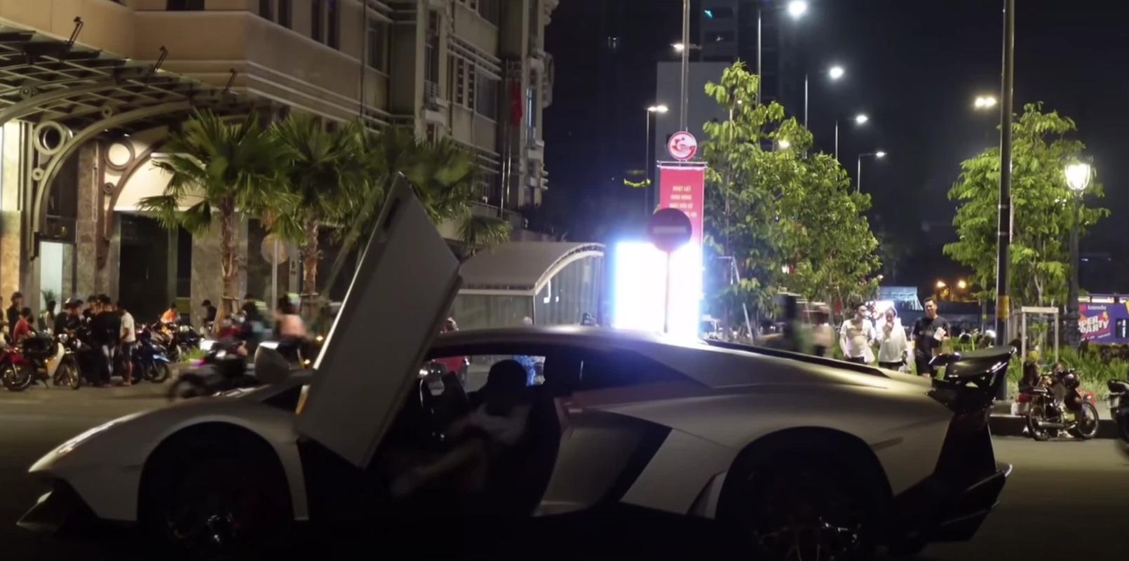 """Lai sieu xe di an com tam, nu rich kid khien netizen """"choang""""-Hinh-5"""