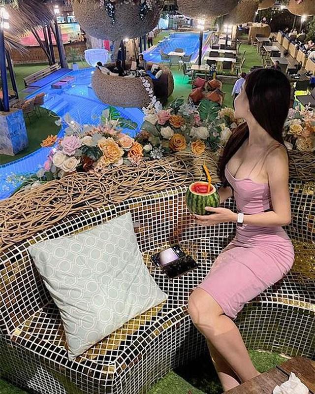"Ban gai Dang Van Lam bung nghi van ""do"" vong 1 qua buc anh?-Hinh-5"