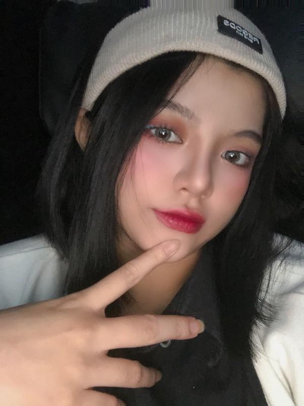 """Hot girl Gia Lai gay """"sot"""" khi so huu khuon mat tua bup be-Hinh-9"""