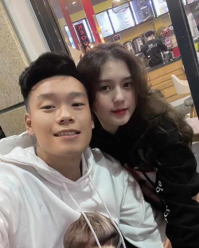 Ngoai hinh nuot na, xinh dep cua ban gai trung ve Thanh Chung