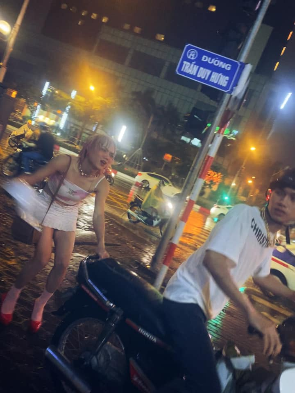 "Hoa gai ban hoa, ""thanh chui"" Meo Thoai nhan du ""gach da""-Hinh-3"