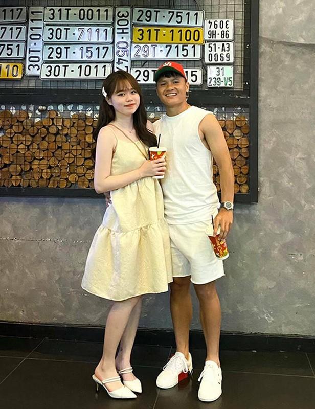 """Lo danh tinh """"bo moi"""" cua ban gai cu Quang Hai, netizen xon xao"""