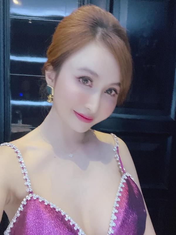 Vo 2 Minh Nhua bat ngo lo moi quan he voi me chong-Hinh-11