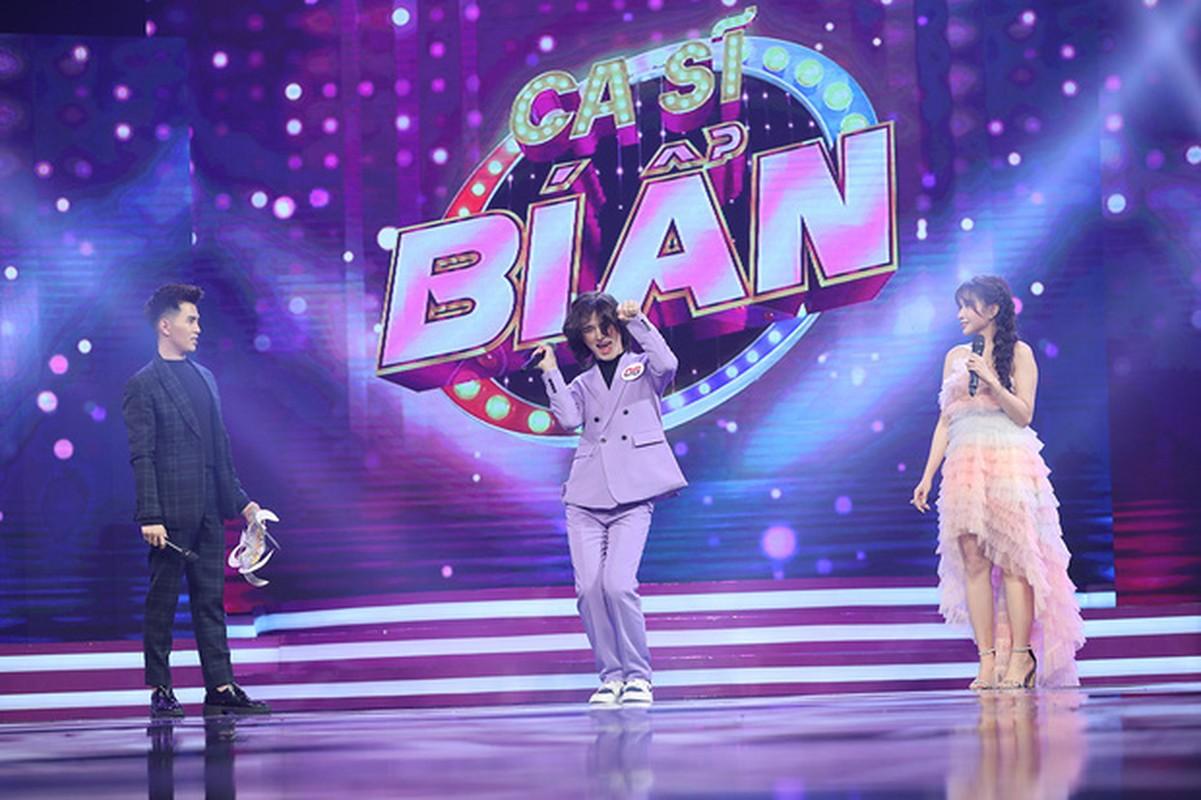 Tham gia gameshow, Tran Duc Bo gay tranh cai vi nghi hat nhep-Hinh-3