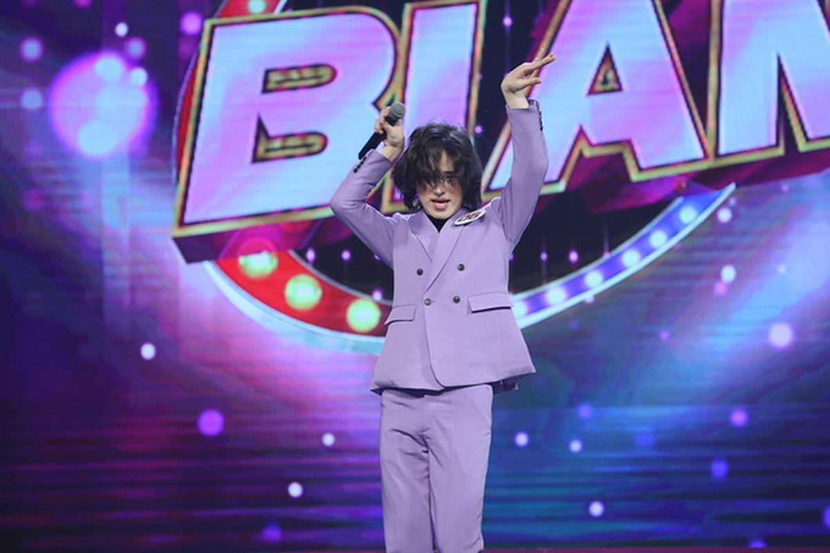 Tham gia gameshow, Tran Duc Bo gay tranh cai vi nghi hat nhep-Hinh-4