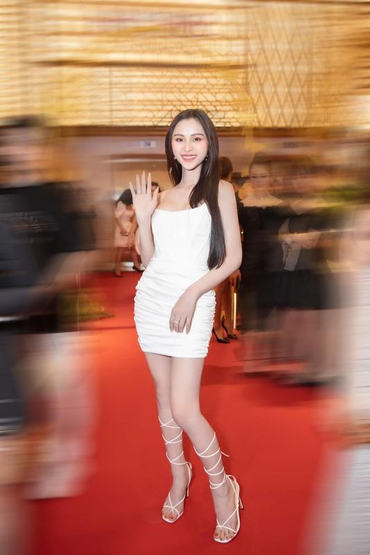 Phat ngon ve dai gia, hot girl chuyen gioi khien netizen nhan