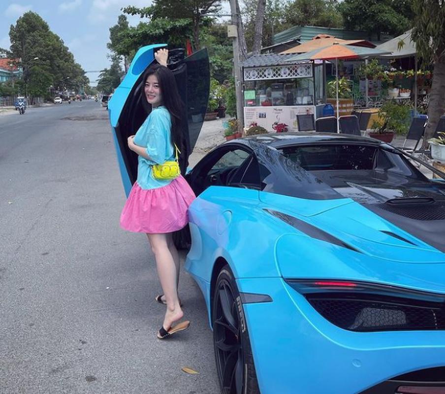 Tao dang ben dan sieu xe, rich kid moi noi khien netizen choang vang-Hinh-10