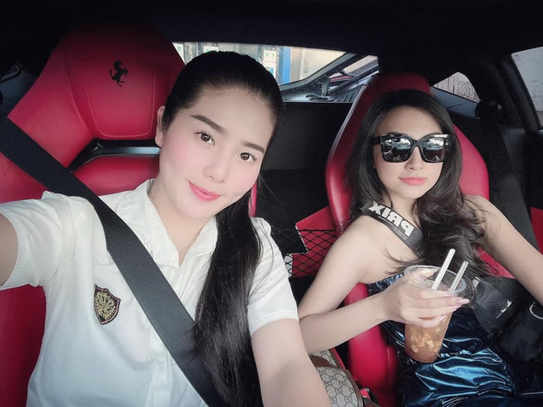 Tao dang ben dan sieu xe, rich kid moi noi khien netizen choang vang-Hinh-2
