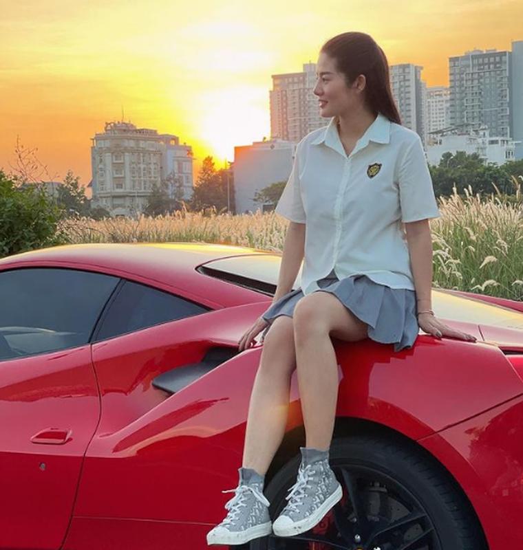 Tao dang ben dan sieu xe, rich kid moi noi khien netizen choang vang-Hinh-5