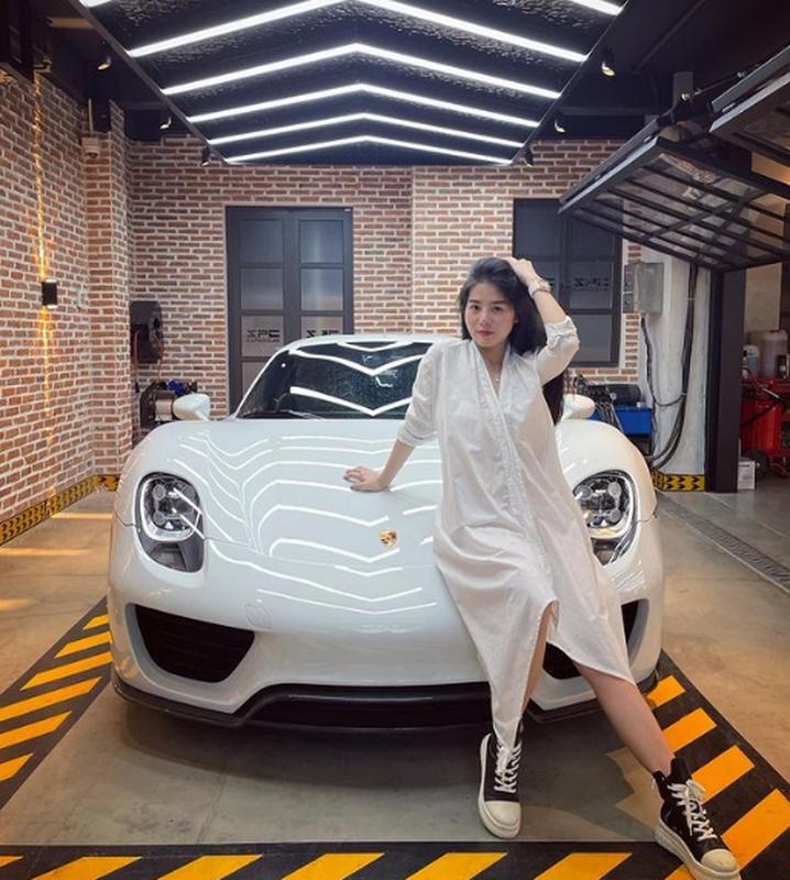 Tao dang ben dan sieu xe, rich kid moi noi khien netizen choang vang-Hinh-7