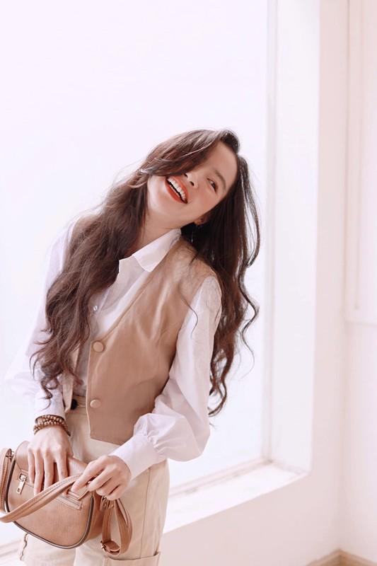 Xinh dep va tai nang, co giao hot girl Binh Duong noi nhu con-Hinh-2