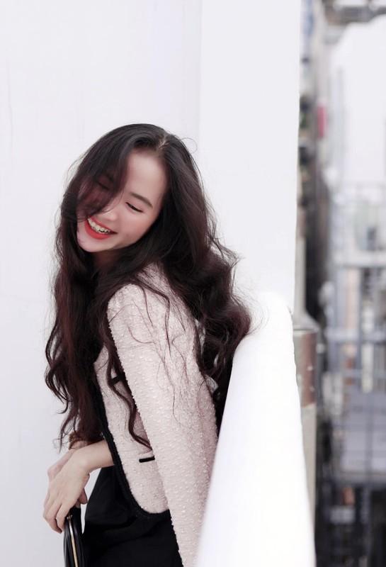 Xinh dep va tai nang, co giao hot girl Binh Duong noi nhu con-Hinh-3