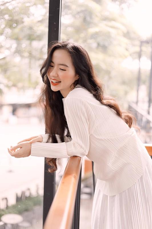 Xinh dep va tai nang, co giao hot girl Binh Duong noi nhu con-Hinh-4