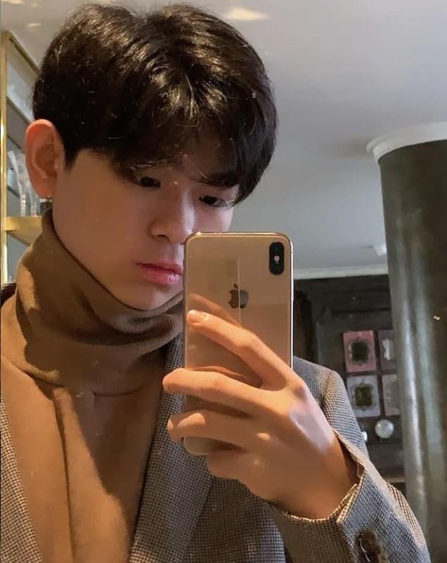 Rich kid fan Ngoc Trinh khien netizen bat ngo khi khoe tu lanh