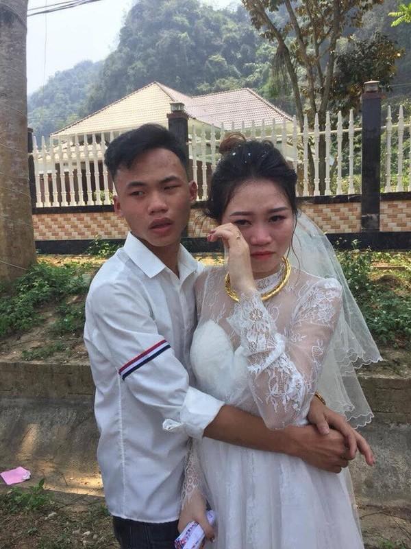 Co di lay chong, chau nho khoc nuc no khong roi gay bat ngo-Hinh-11
