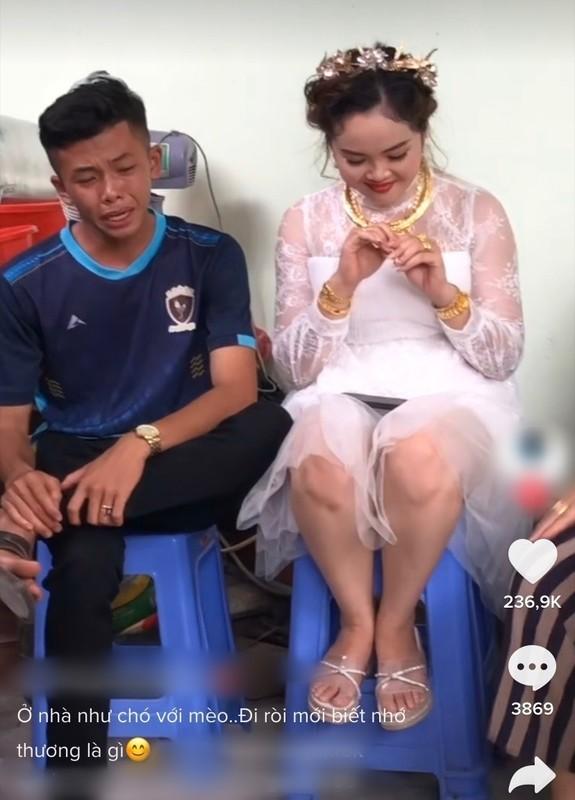 Co di lay chong, chau nho khoc nuc no khong roi gay bat ngo-Hinh-4