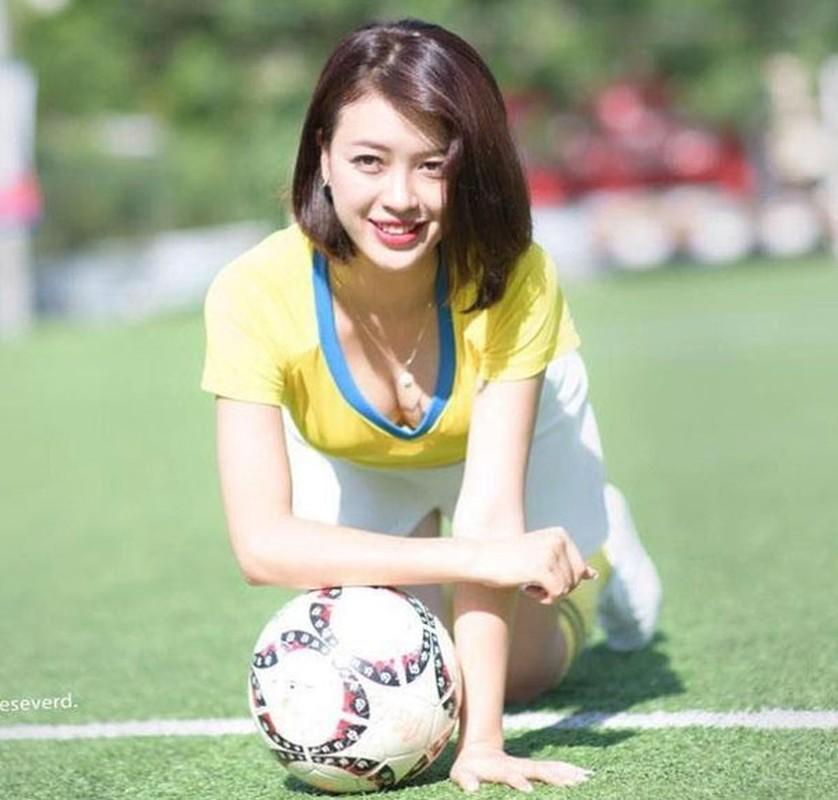 Tham gia Nong cung Euro 2016, hot girl xu Nghe gio ra sao?-Hinh-3