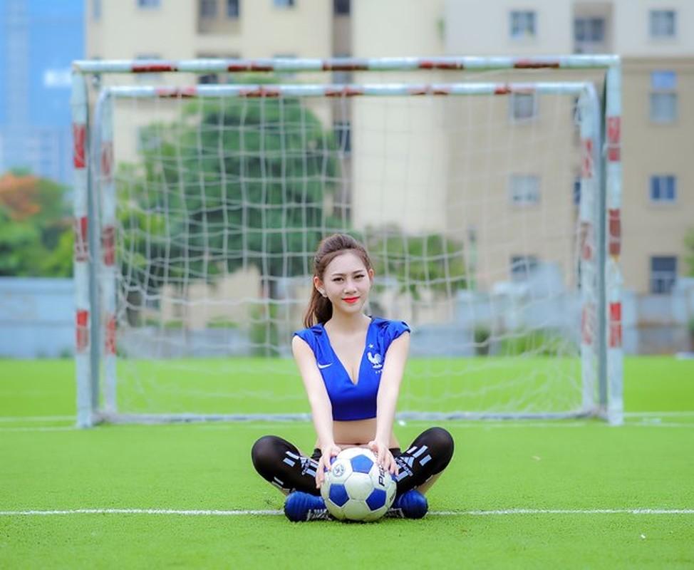 Ve nong bong cua hot girl tung noi danh tu Nong cung Euro 2016-Hinh-2