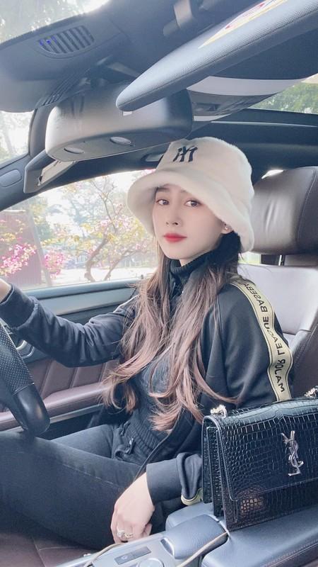 Ve nong bong cua hot girl tung noi danh tu Nong cung Euro 2016-Hinh-6