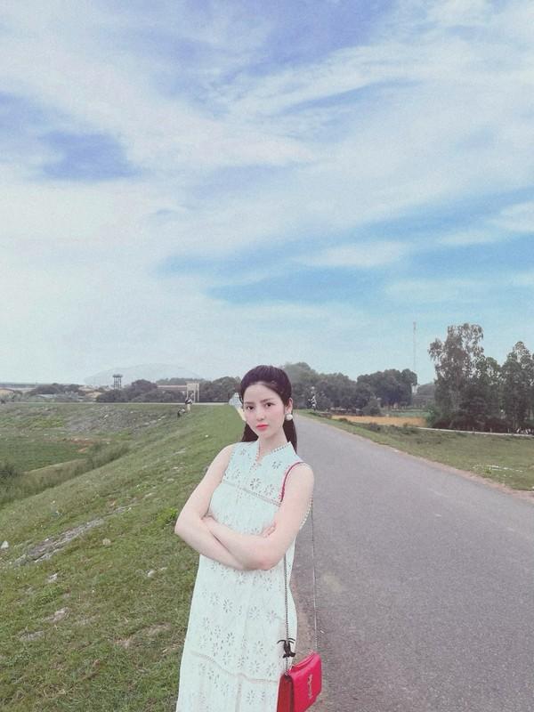 """Tu tung """"hint"""", ban gai tin don Quang Hai khien netizen xon xao-Hinh-8"""
