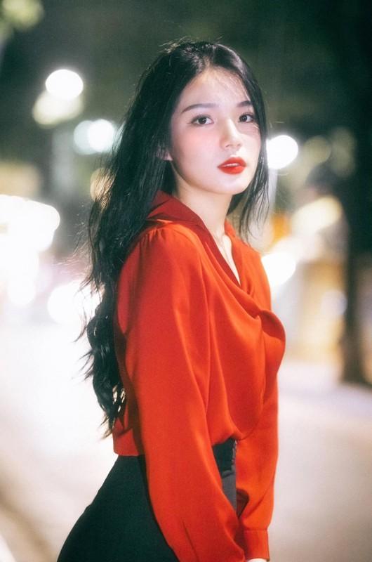 """So huu chieu cao """"khung"""", hot girl truong Bao chuan nguoi mau-Hinh-2"""