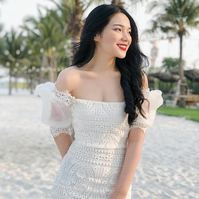"""So huu chieu cao """"khung"""", hot girl truong Bao chuan nguoi mau"""