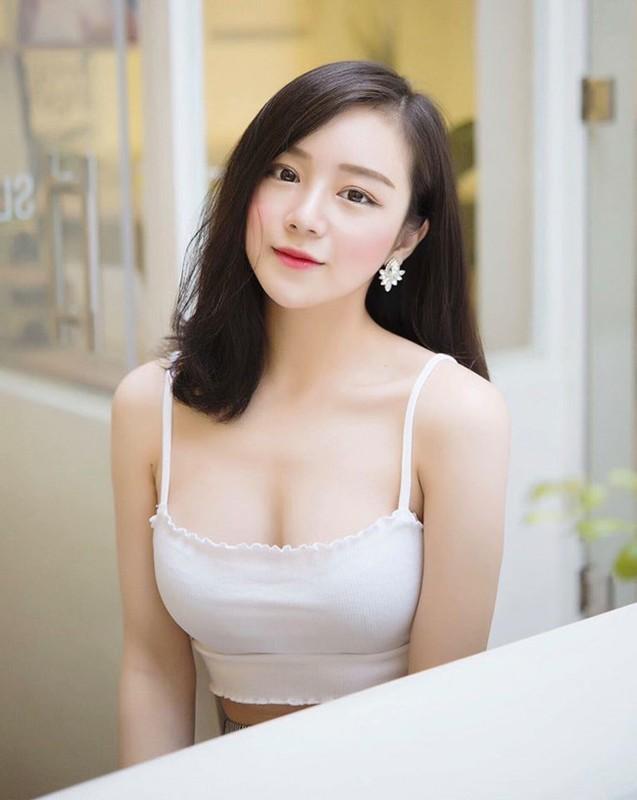 "Sau 3 nam noi tieng, dan hot girl ""Nong cung World Cup"" gio ra sao?-Hinh-2"