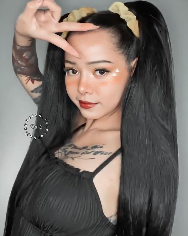 Hot girl nong bong so huu follow khung thu 3 the gioi la ai?-Hinh-11