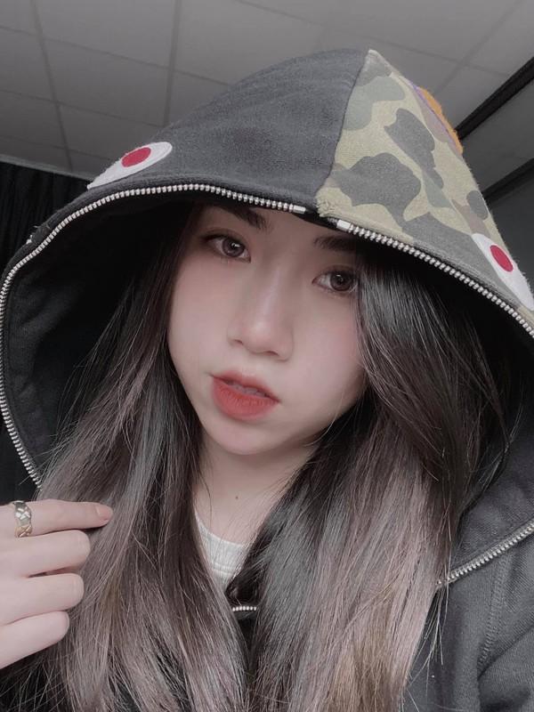 Em gai tien dao doi tuyen Viet Nam lo voc dang chuan hot girl-Hinh-9