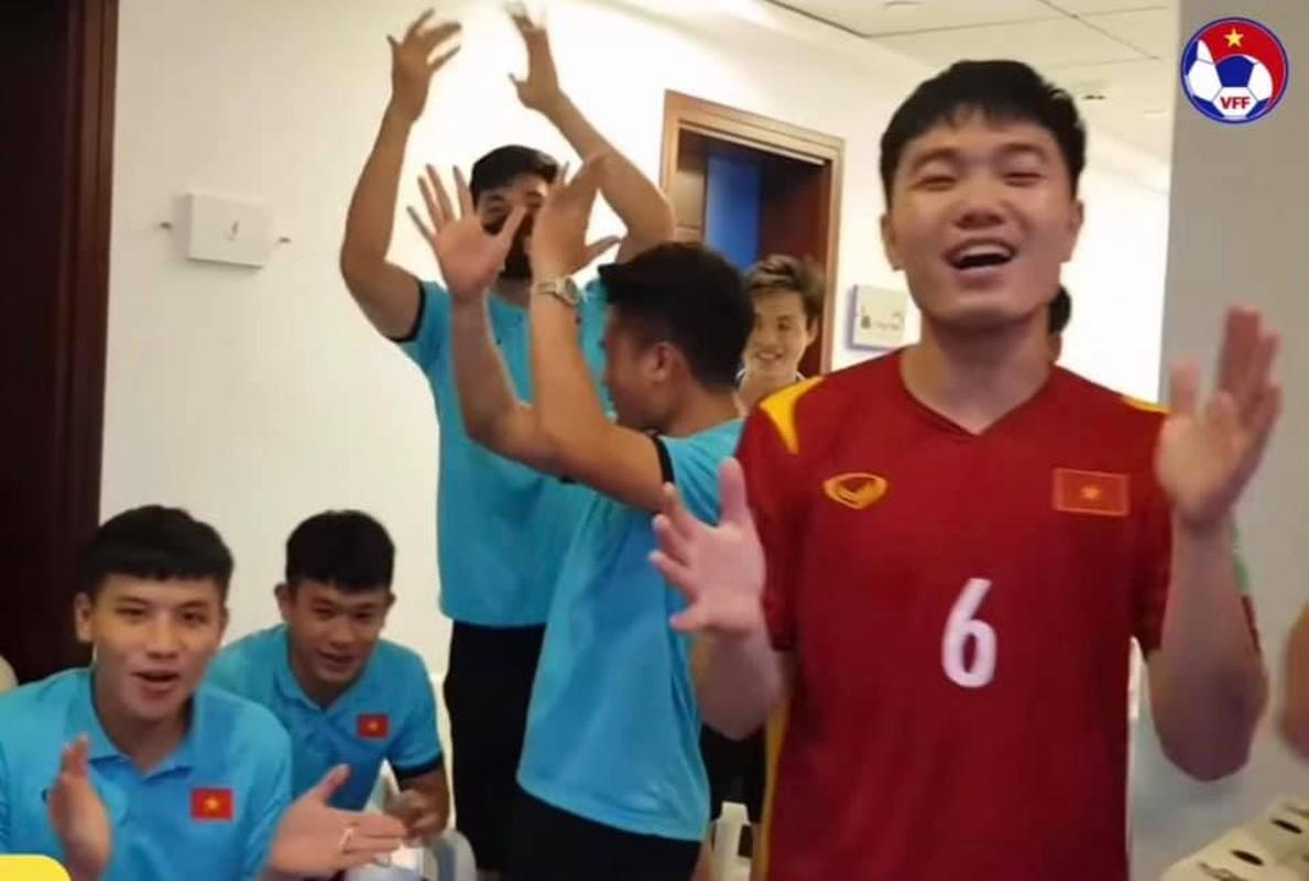 "Dan trai dep doi tuyen Viet Nam khoe body lai khien chi em ""dien dao""-Hinh-3"