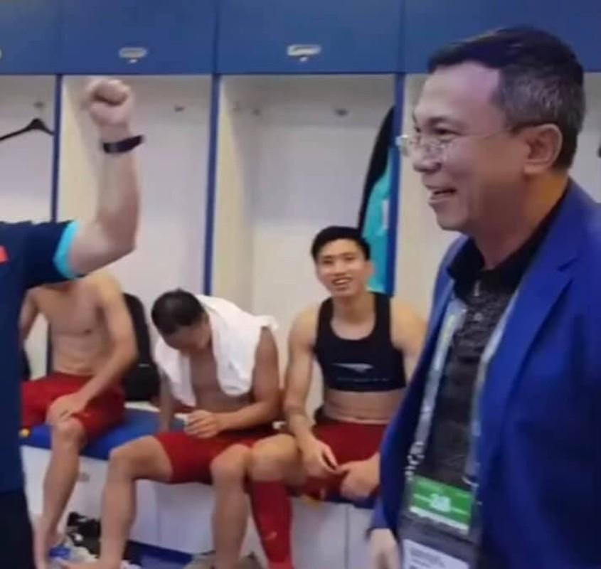 "Dan trai dep doi tuyen Viet Nam khoe body lai khien chi em ""dien dao""-Hinh-7"