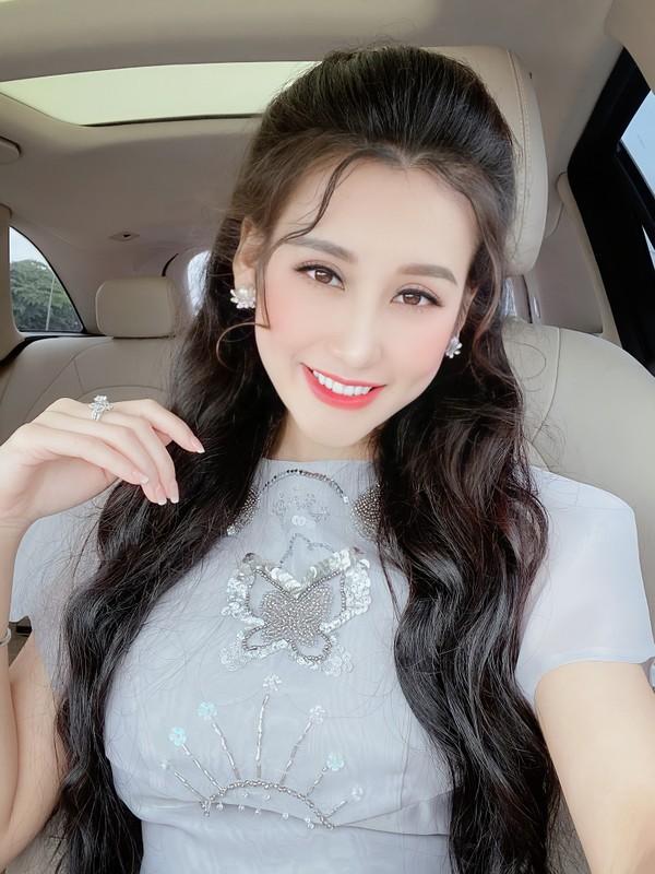 """Hot girl quan nhan"" lo sac voc khi tham gia Nong cung Euro-Hinh-10"