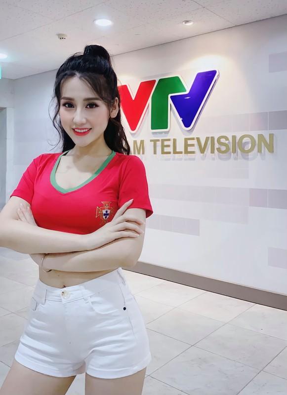 """Hot girl quan nhan"" lo sac voc khi tham gia Nong cung Euro-Hinh-5"