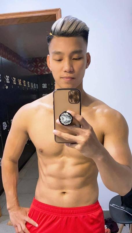 Khoe body nhu tac tuong, hau ve Van Thanh khien chi em thich me-Hinh-6