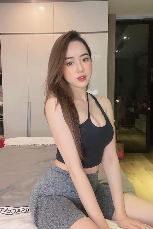 "Hot girl Nong cung Euro ""dot mat"" netizen bang body sieu nong bong-Hinh-2"
