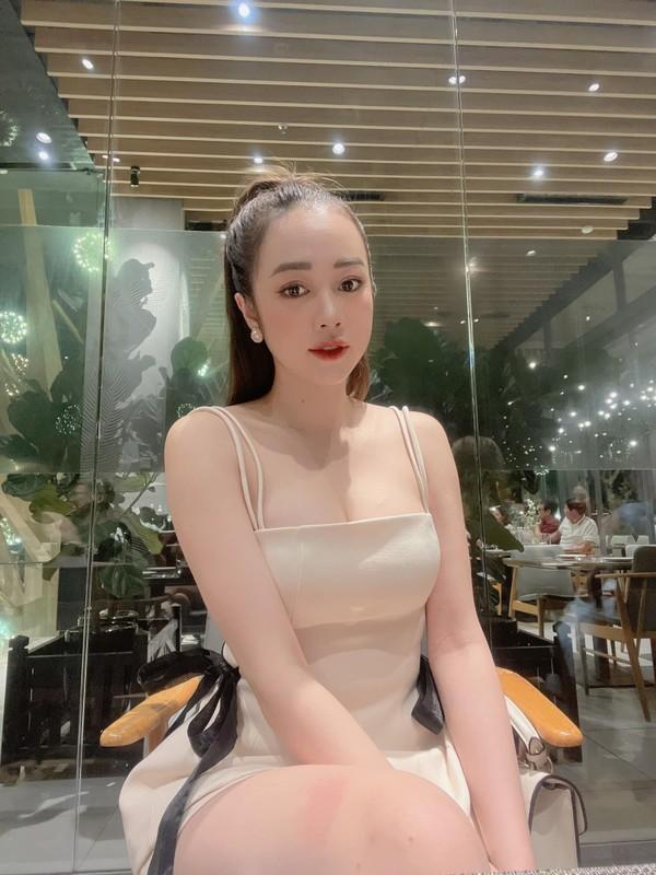 "Hot girl Nong cung Euro ""dot mat"" netizen bang body sieu nong bong-Hinh-5"