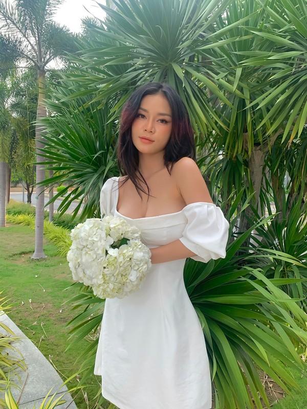 Noi tieng vi an mac goi cam, hot girl Dak Lak lo danh tinh-Hinh-11