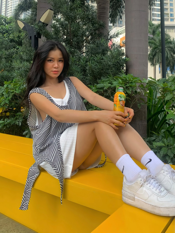 Noi tieng vi an mac goi cam, hot girl Dak Lak lo danh tinh-Hinh-5