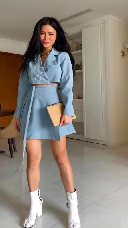 Noi tieng vi an mac goi cam, hot girl Dak Lak lo danh tinh-Hinh-6