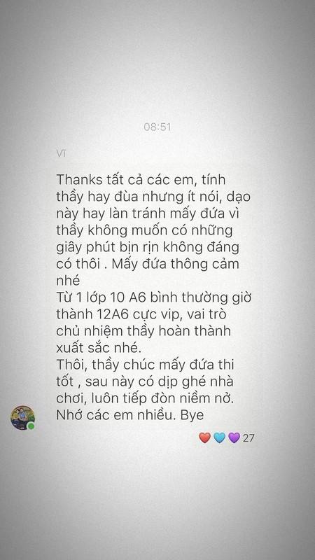 Hoc sinh cuoi cap nghen ngao nhung dieu ghi tren tam bang den-Hinh-11
