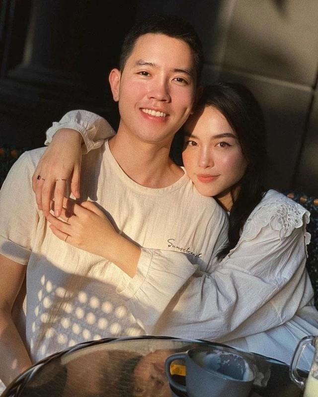 """Ban gai noi dao ly, co truong tre nhat Viet Nam """"boc phot"""" tuc thi"""