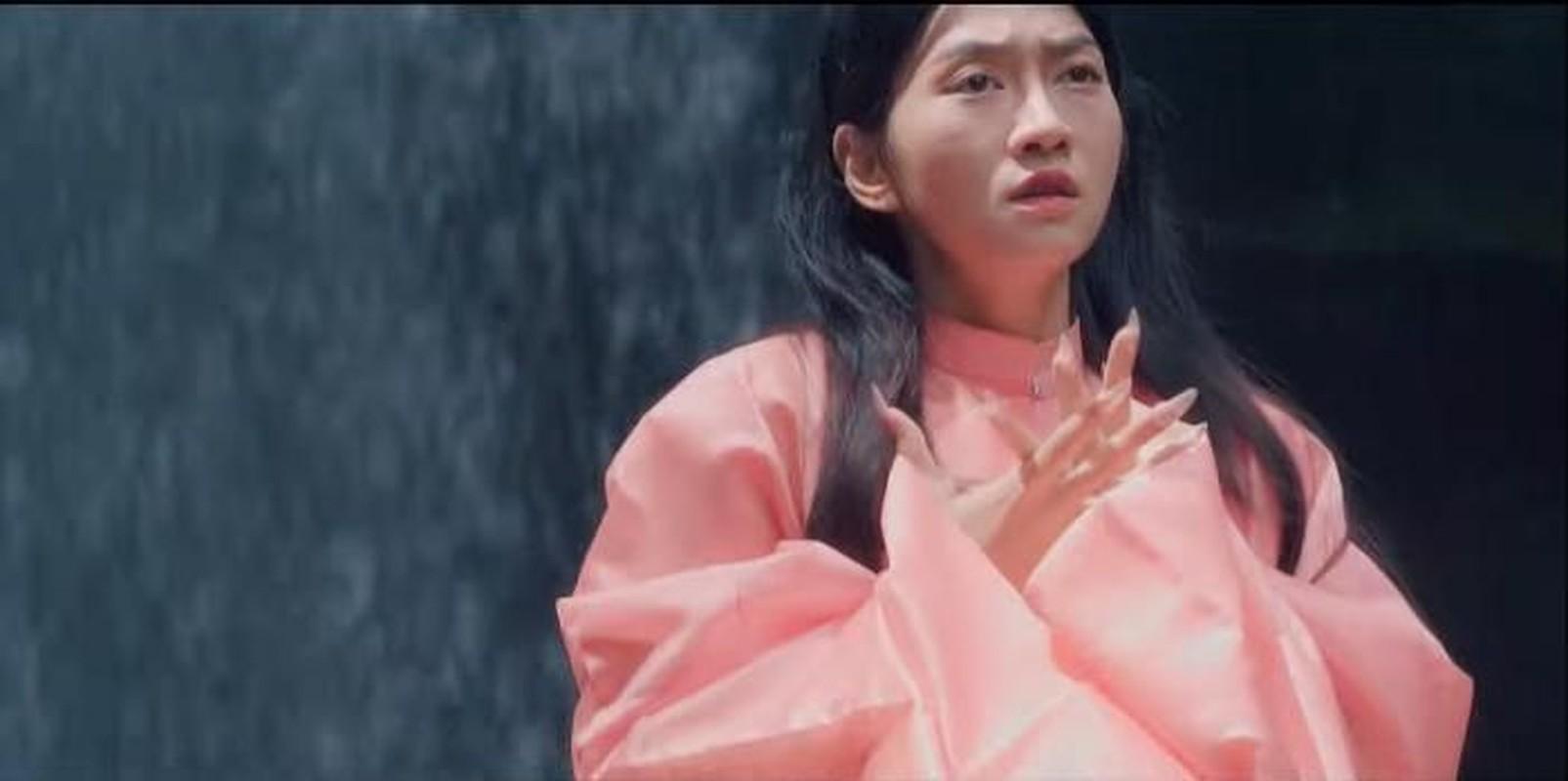 """Dong MV moi cua K-ICM, """"hot girl thi phi"""" Le Bong gay tranh cai-Hinh-6"""