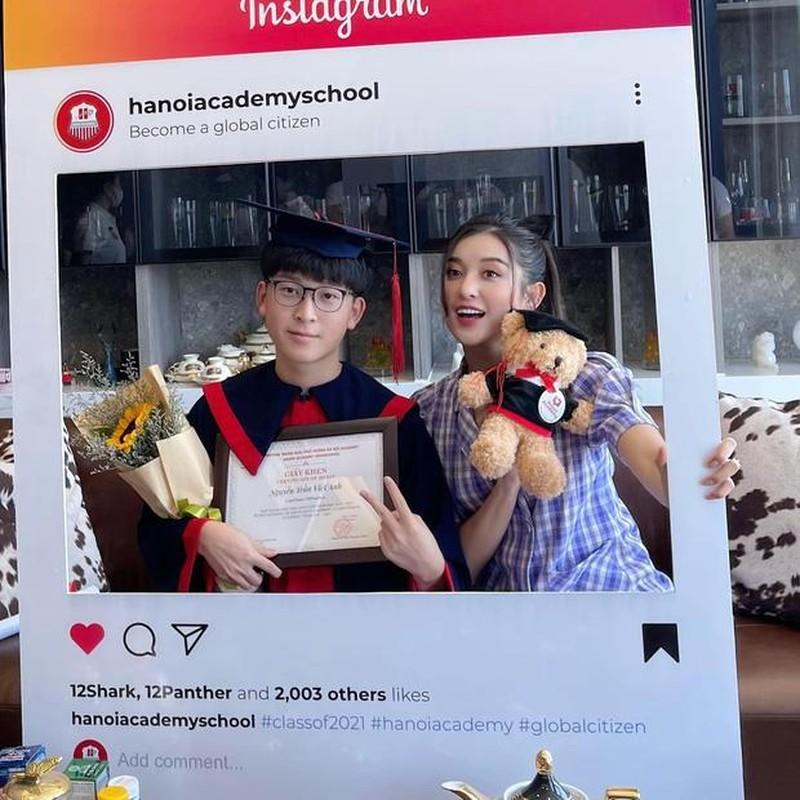 Netizen to mo diem thi tot nghiep cua em trai A hau Huyen My-Hinh-6