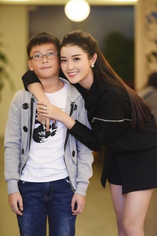 Netizen to mo diem thi tot nghiep cua em trai A hau Huyen My-Hinh-9