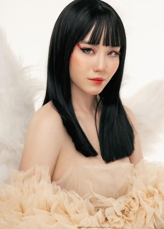 "Hoa ho ly tinh, ""thanh nu"" Linh Miu khien netizen het hon-Hinh-2"