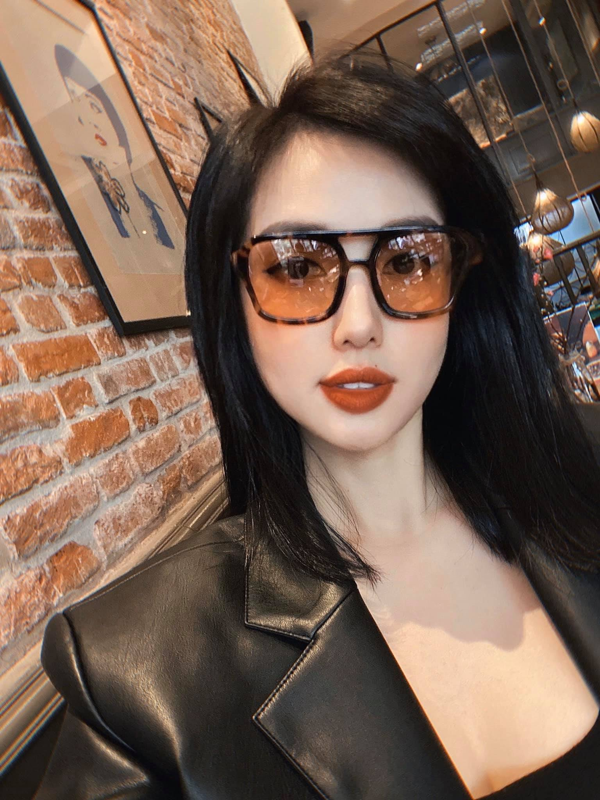 Nhan sac me hoac cua cuu hot girl sau lay chong dai gia-Hinh-10