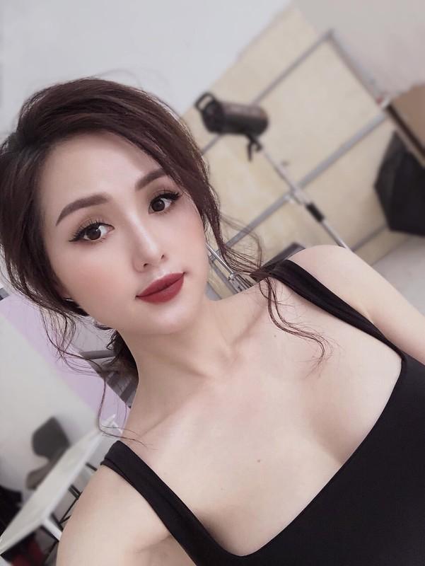 Nhan sac me hoac cua cuu hot girl sau lay chong dai gia-Hinh-6