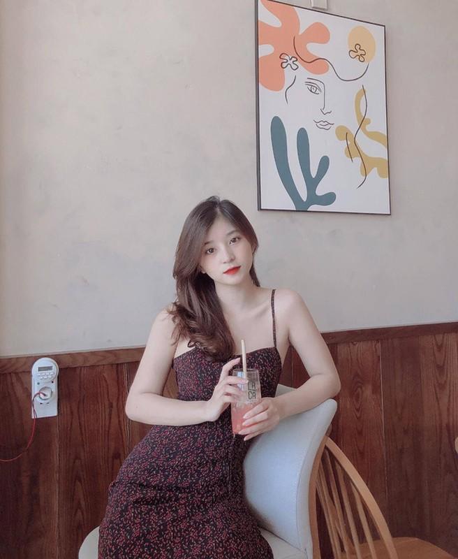 """Lo danh tinh """"hot girl tham phan"""" xinh dep khien netizen xao xuyen-Hinh-10"""