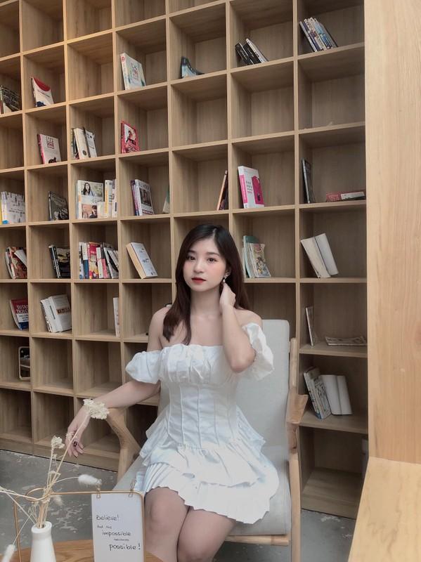 """Lo danh tinh """"hot girl tham phan"""" xinh dep khien netizen xao xuyen-Hinh-12"""