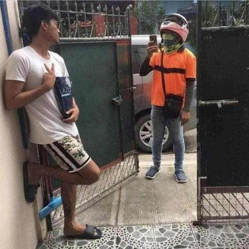 Shipper me chup anh nho khach tao dang nhan hang cuc hai huoc-Hinh-5